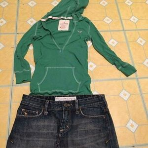 Hollister hoodie Blouse....Size  M